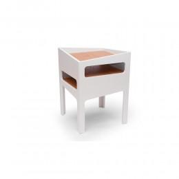 Tavolino modello Trick colore bianco con ripiani in legno di quercia