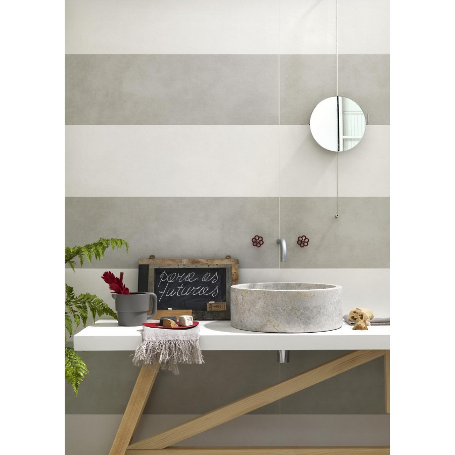 Pareti biamche e grigio cemento - Incollare piastrelle su piastrelle bagno ...