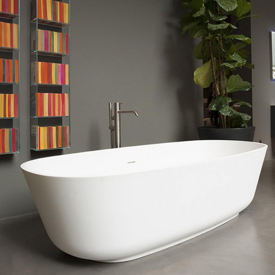 Freestanding bathtube in cistalplant \