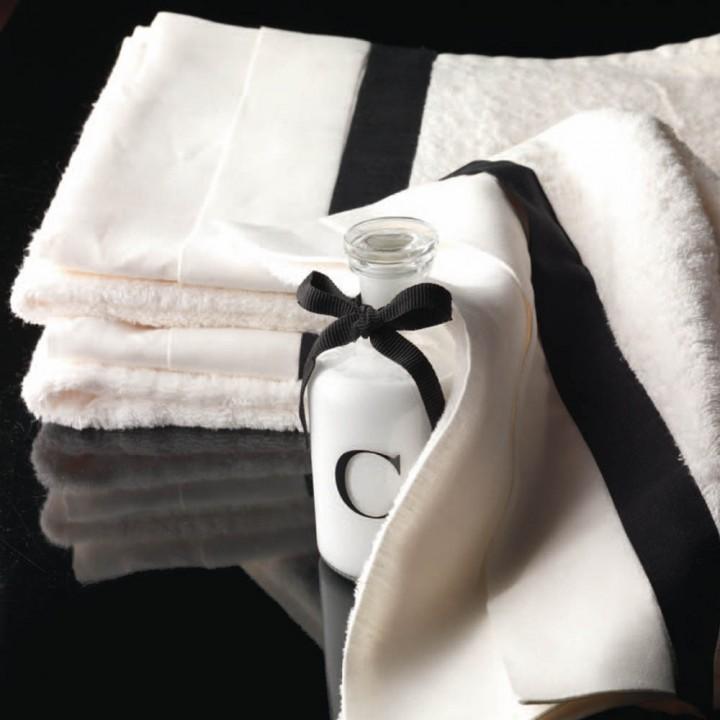 "Set asciugamani in spugna ""Vanity"" ivory black di Devon&Devon"